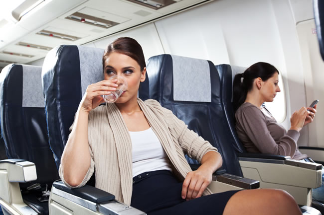 top-10-helpful-travel-advice-tips-by-frequent-flyers-6