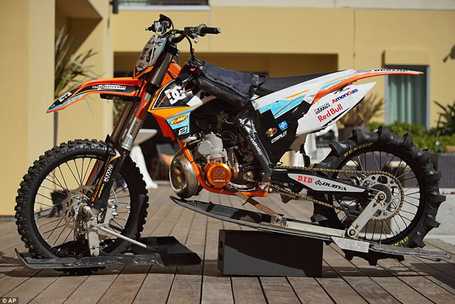 Guy Converts New Honda Dirt Bike Into First Ever ...