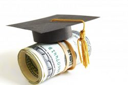 Types of Scholarship Grants for College Kids Given by Educational Institutions