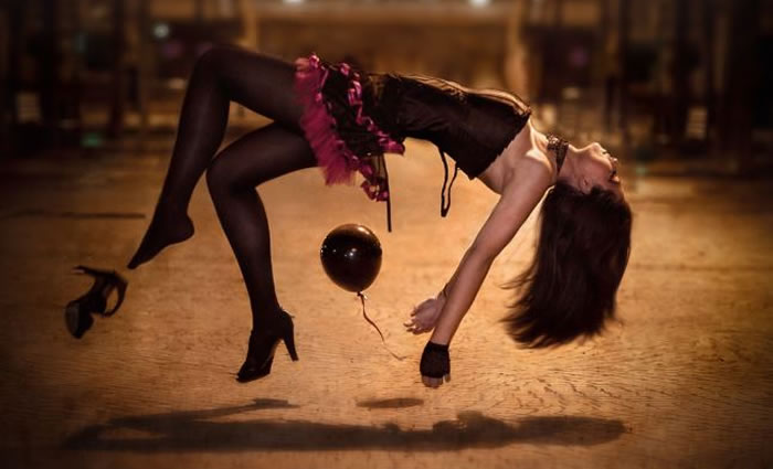 10 Amazing Levitating Woman Images To Blow Your Mind